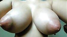Brunnete Big Natural Tits CamGirl