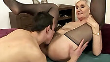 Blonde babe toying pussy eating
