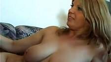 Slim hungry mommy opens up for the shaft of her son